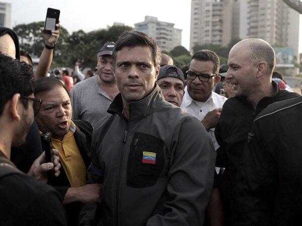 El opositor Leopoldo López acusado de planear un atentado explosivo contra el Parlamento